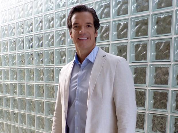 Carlos Machado já teve que dar um 'chega pra lá' em paciente assanhadinha (Foto: Encontro com Fátima Bernardes/ TV Globo)