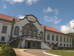 Fachada da EpcAr, em Barbacena (Foto: Reprodução/TV Integração)