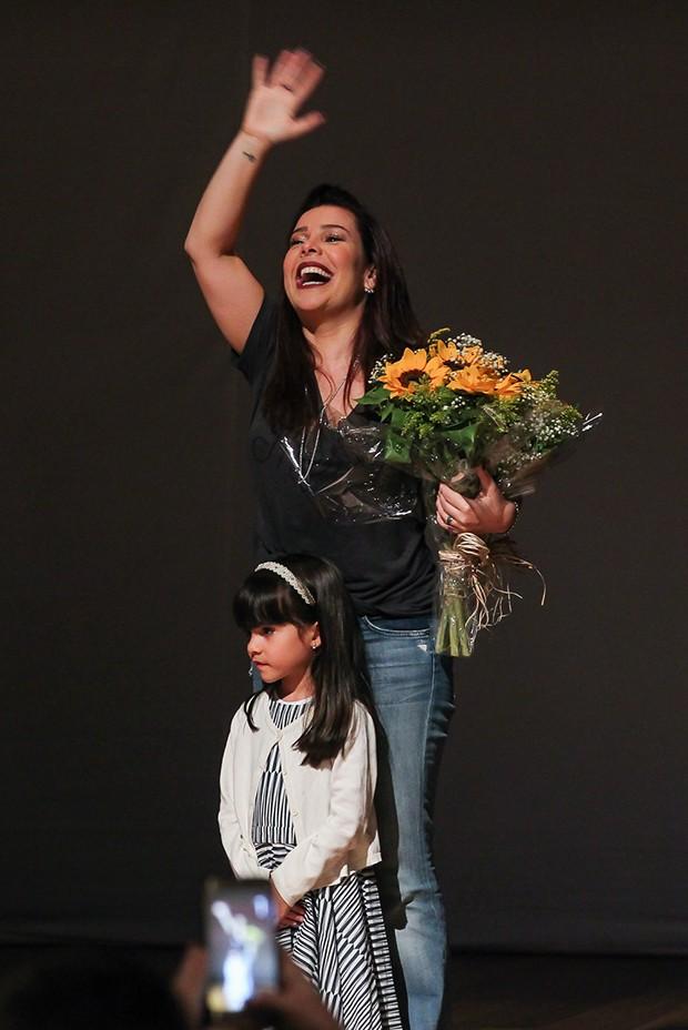 Fernanda Souza e a sobrinha, Isabeli (Foto: Manuela Scarpa/Brazil News)