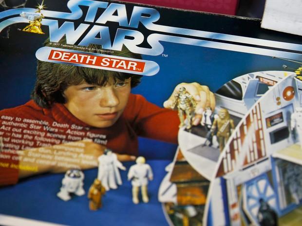 "Jogo vintage do Star Wars, chamado de ""morte da estrela"" (Foto: Phil Noble/Reuters)"