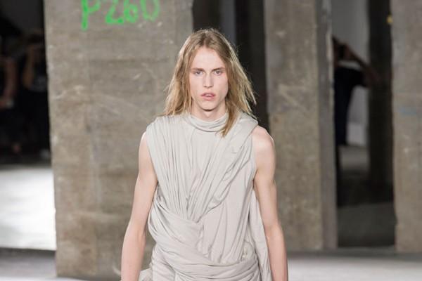 Rick Owens - Semana de Moda de Paris verão 2017 (Foto: IMAXTREE)