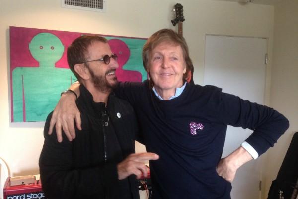 Ringo Starr e Paul McCartney (Foto: Reprodução Twitter)