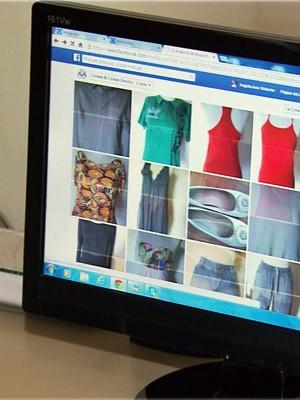 65b22a9ce0e Mulheres vendem produtos de brechós pela internet (Foto  Reprodução EPTV)