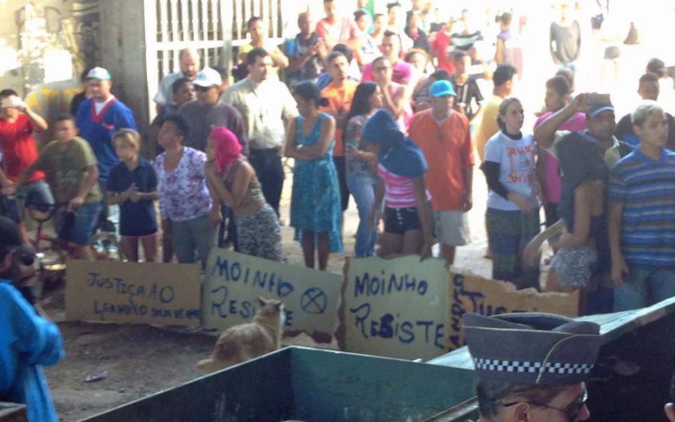 Protesto de moradores na Favela do Moinho (Foto: Glauco Araújo/G1)