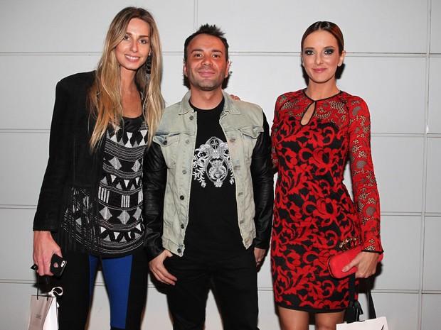 Mariana Weickert, Matheus Massafera e Ticiane Pinheiro em festa em São Paulo (Foto: Manuela Scarpa/ Foto Rio News)