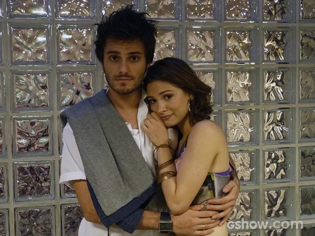 Hugo e Lais tristes com o possível de Micartin (Foto: Malhação / TV Globo)