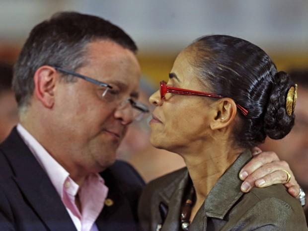Marina Silva e o candidato a vice Beto Albuquerque durante o anúncio da chapa presidencial do PSB em Brasília (Foto: Ueslei Marcelino / Reuters)