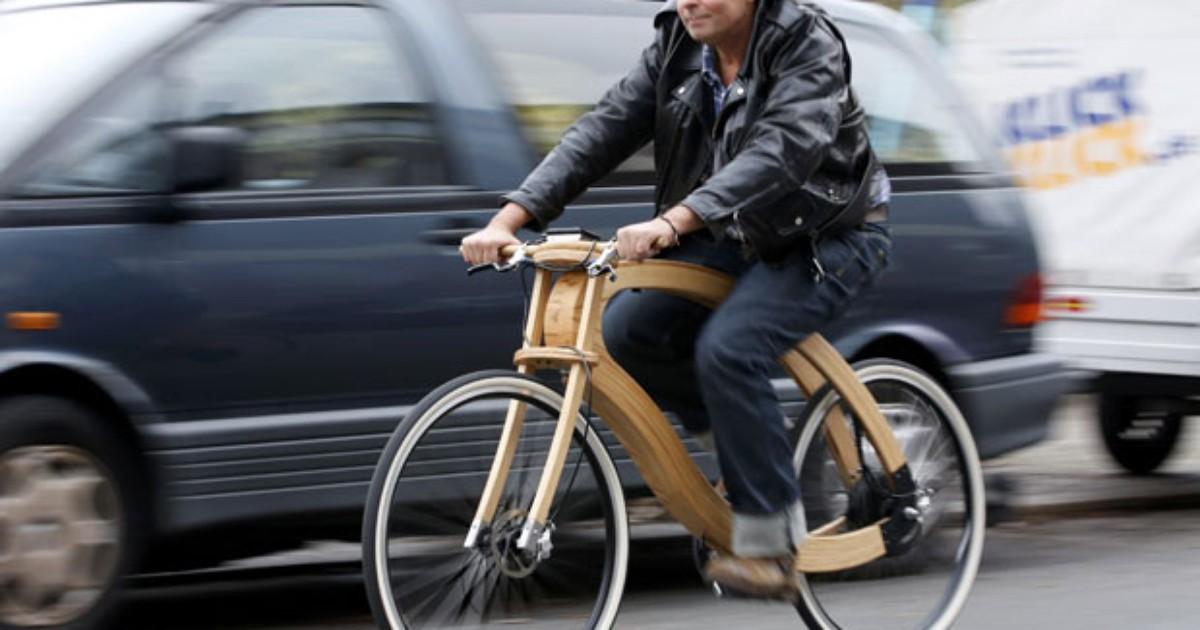 Empresa alemã cria bicicleta elétrica de madeira
