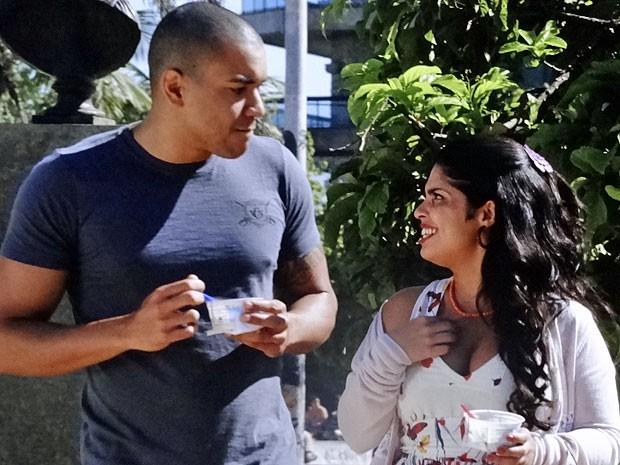 Gracinha não aceita o pedido de namoro de Jair (Foto: Amor Eterno Amor/TV Globo)