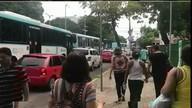 Bloqueios em avenidas de Fortaleza complicam trânsito na cidade