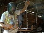 Artesão transforma ferro em berlindas para imagens da Virgem de Nazaré