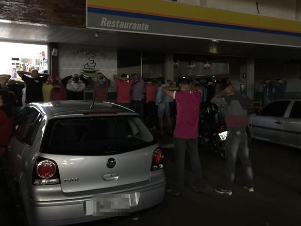 Menores foram detidos e liberados na presença dos pais (Foto: Divulgação/Polícia Militar)