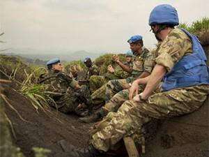 General do Brasil acompanha operação (Foto: Sylvain Liechti/ONU/divulgação)