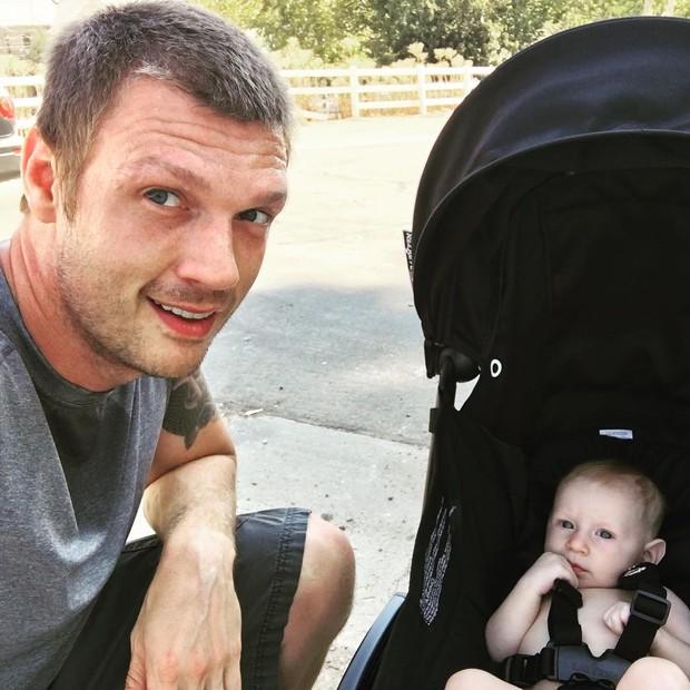 Nick Carter e o filho (Foto: Reprodução / Instagram)