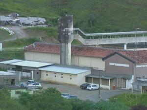 Número de presos é 287,3% maior que a capacidade no Ceresp em MG (Foto: Reprodução/TV Integração)