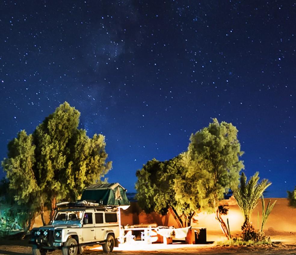 No deserto do Saara, Rachel e Leonardo conseguiram captar todas as estrelas no céu (Foto: Divulgação)