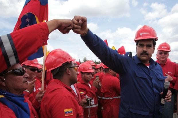 Resultado de imagem para Maduro troca ministro do petróleo e presidente da petroleira PDVSA