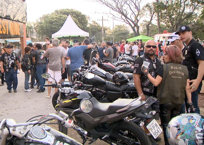 Grupo de motociclistas se reune em Vitória (Foto: Divulgação / TV Gazeta ES)