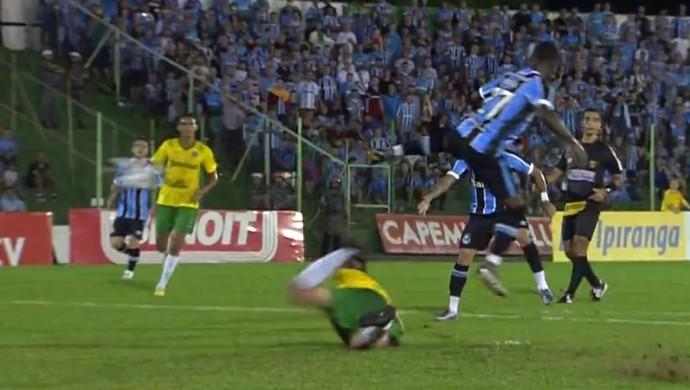 Lincoln faz golaço contra o Ypiranga (Foto: Reprodução / SporTV)