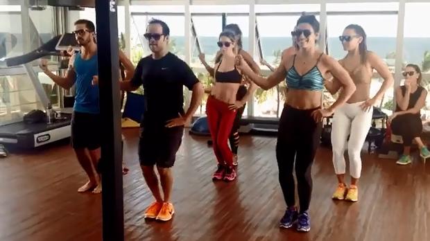 Juliana Paes, Deborah Secco e Carol Nakamura dançam juntas (Foto: Reprodução/Instagram)
