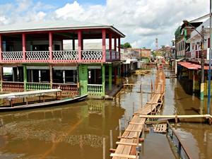 Ao todo, 5.104 pessoas de 1.020 famílias já foram afetadas pela enchente neste ano em Benjamin Constant (Foto: Adneison Severiano/G1 AM)