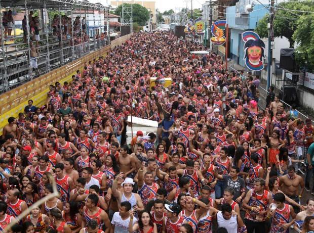 Cinco mil foliões lotaram as ruas de Cametá neste domingo (10). (Foto: Rodolfo Oliveira/Ag. Pará)