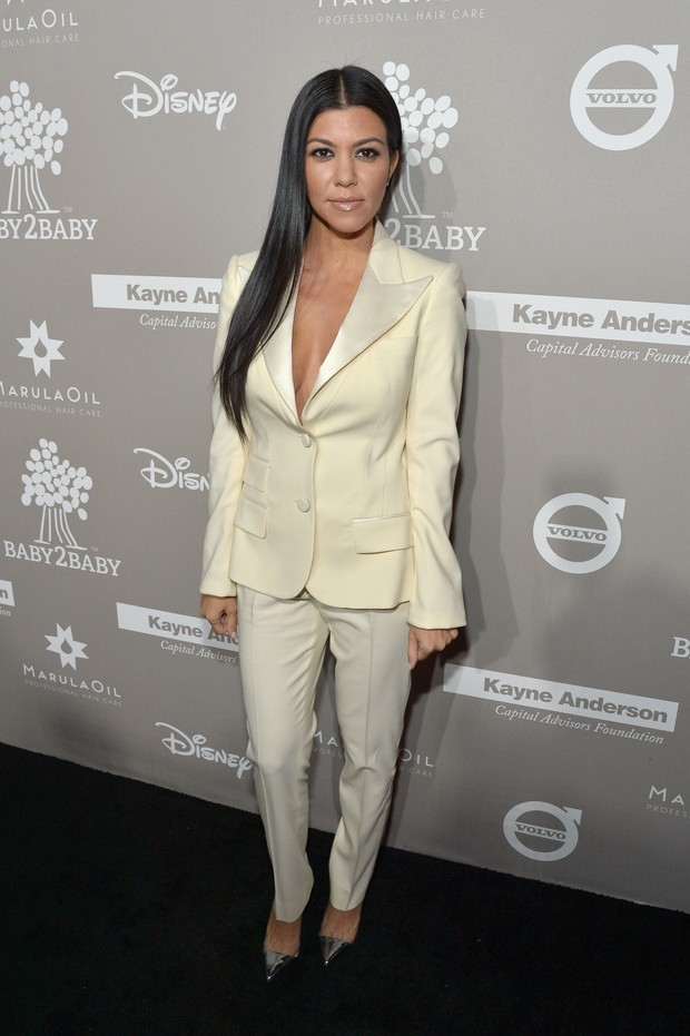 Kourtney Kardashian em baile de gala em Culver City, na California, nos Estados Unidos (Foto: Charley Gallay/ Getty Images/ AFP)