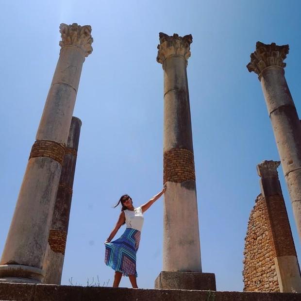 Giulia nas ruínas da cidade de Volubilis (Foto: Reprodução/Instagram)