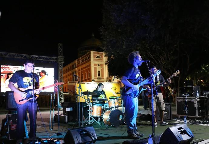 Cabocrioulo lança videoclipe no Largo São Sebastião, em Manaus (Foto: Michael Dantas)
