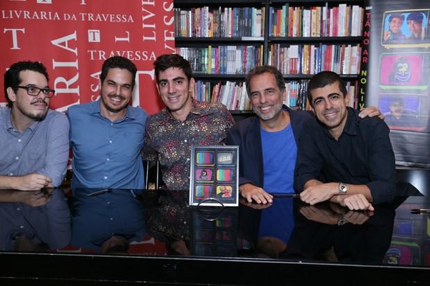 Noite de autógrafos do livro Tá no ar a tv na tv  (Foto: Anderson Borde / AgNews / Divulgação)