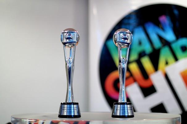 Estatuetas do 1º Prêmio de Programação (Foto: Fábio França/ Vanguarda)