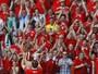 After party: britânicos se despedem do Parc des Princes em festa
