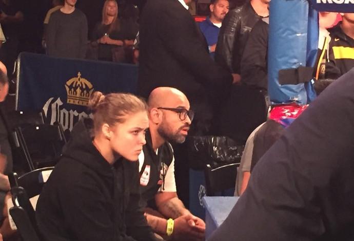 Ronda Rousey acompanha luta dos brasileiros em Los Angeles (Foto: Divulgação/Golden Boy)