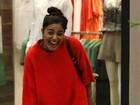 Galã: Filho de Juliana Paes agarra amiguinha em shopping