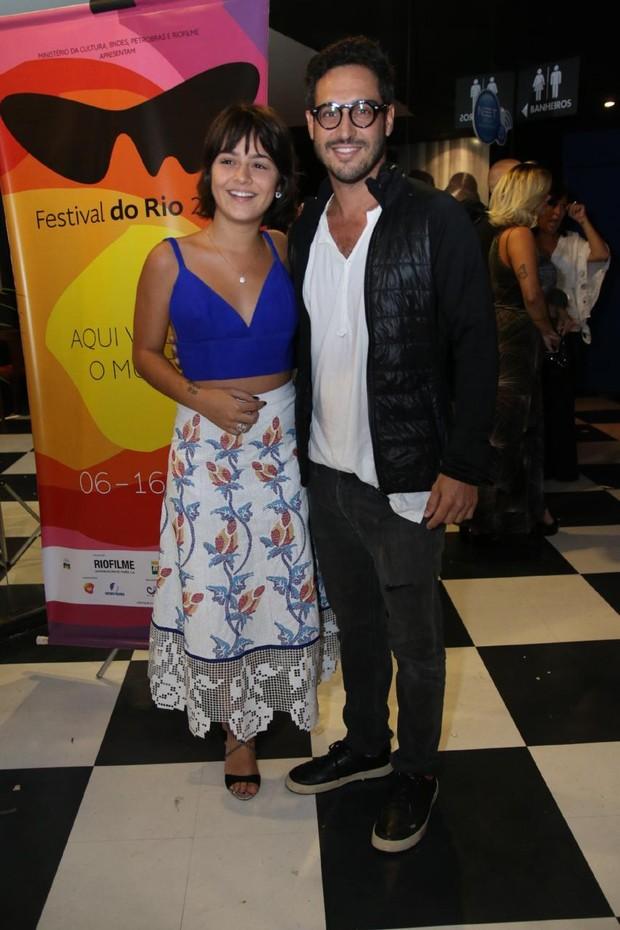 Giullia Buscacio e namorado (Foto: Daniel Pinheiro/AgNews)