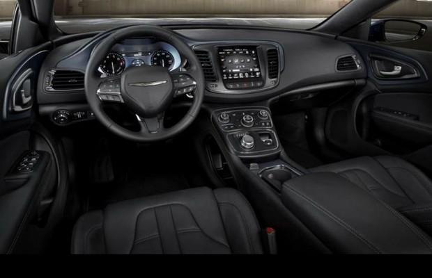 Chrysler 200 2015 (Foto: Divulgação)
