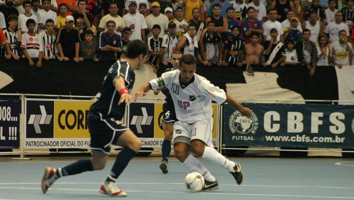 ABC/UnP/Art&C x Malwee/Jaraguá - Taça Brasil de Futsal 2006 - Natal - RN (Foto: Ivanizio Ramos)
