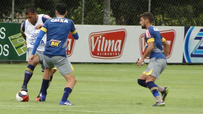 Treino do Cruzeiro na manhã desta sexta-feira, na Toca da Raposa II (Foto: Marco Antônio Astoni)