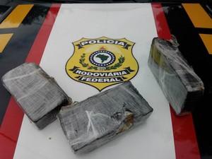Pasta Base Apreendida Polícia Rodoviária Federal (Foto: PRF/Divulgação)
