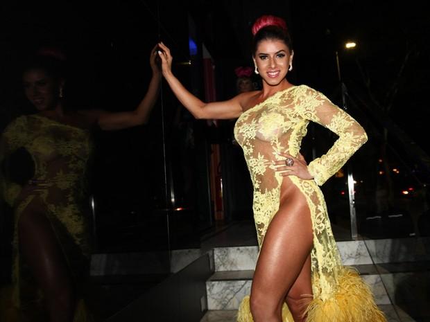 Thais Bianca em boate em São Paulo (Foto: Manuela Scarpa/ Foto Rio News)