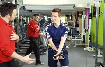 Exercícios de base são fundamentais para quem faz musculação e crossfit