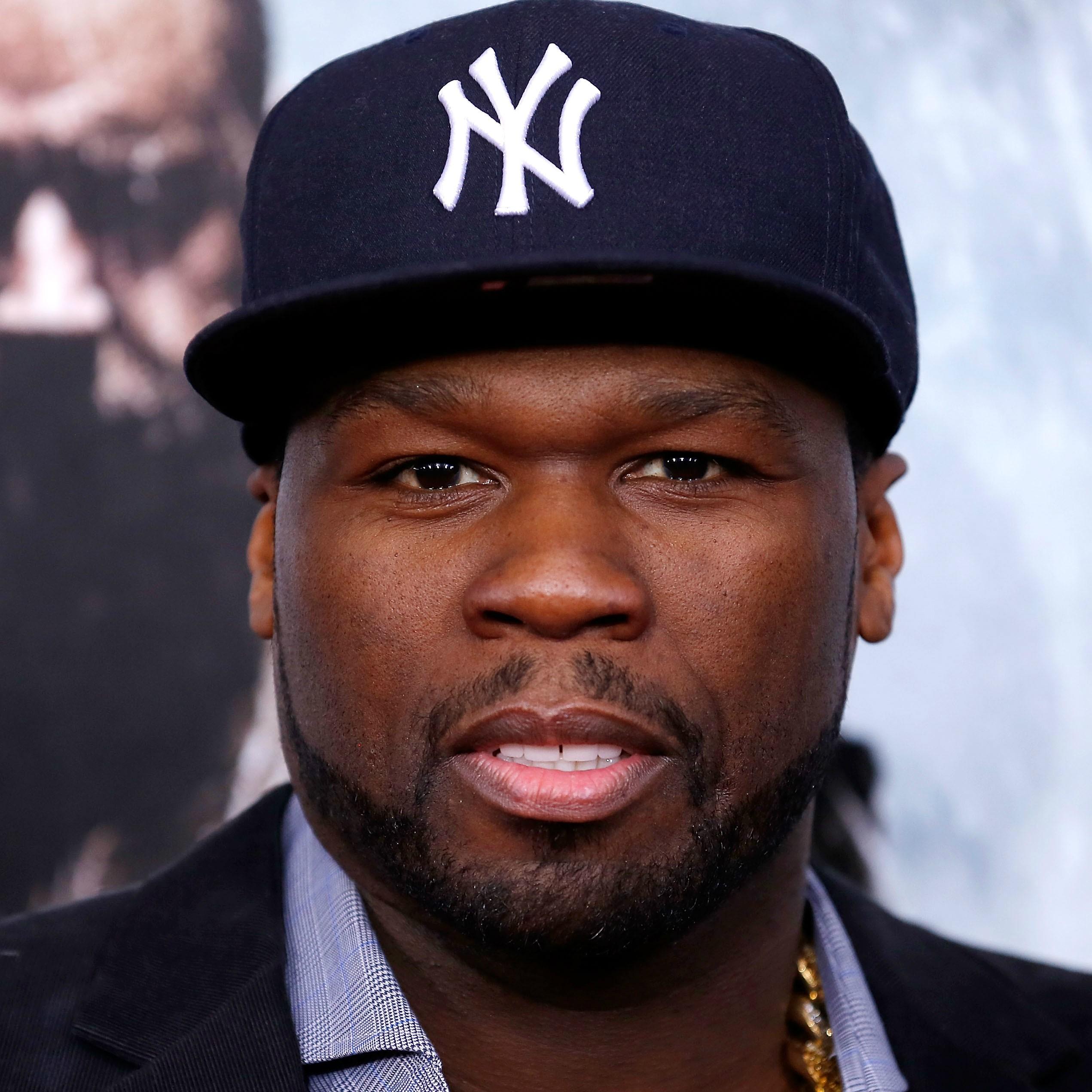 Um rapper à prova de balas: 50 Cent foi atingido por nove tiros em um único ataque em 2005. Sobreviveu e contou a história toda no filme 'Fique Rico ou Morra Tentando' (2005). (Foto: Getty Images)