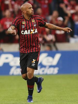 Atlético-PR Coritiba (Foto: Giuliano Gomes/ Agência PR PRESS)