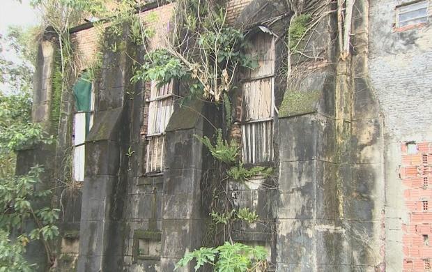 Antiga represa já foi um dos cartões postais da cidade (Foto: Amazonas TV)