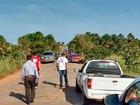 Em protesto, moradores bloqueiam trecho da RR-205 em Alto Alegre, RR