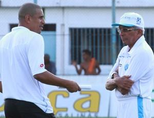 Givanildo Oliveira ficou insatisfeito com o desempenho do ataque bicolor (Foto: Carlos Borges)
