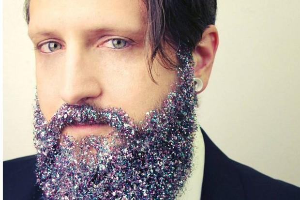 Comunidade hipster adotou o visual das barbas com glitter (Foto: Reprodução/ Instagram)