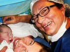 Debby Lagranha mostra momento após o parto de sua primeira filha