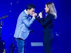 Com Graciele na plateia, Wanessa canta com Zezé di Camargo em show