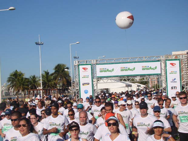 Corrida e Caminhada Esperança reuniu cerca de mil pessoas em Vitória. (Foto: Ludmila Rabello/Rede Gazeta)